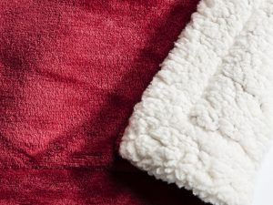 sherpa throw red 152x177cm