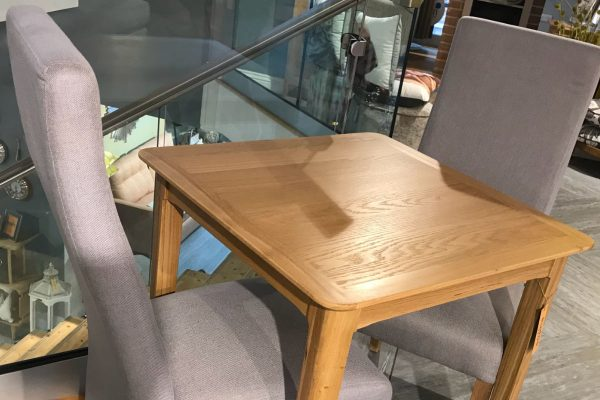 ex display chive dining table